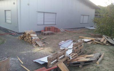 Außenanlage am Feuerwehrhaus zerstört